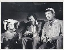 Vintage Press Photograph Warren Oates (Katherine Hepburn & Humphrey Bogart)