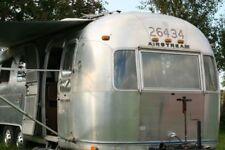 2 Axles Caravans with Awning 4 Sleeping Capacity