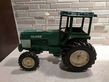 Spirit of Oliver Tractor 1:16 Scale Dyersville Iowa Authentic Toy Antique Green