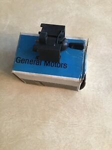 NOS Chevrolet convertible top switch- 1971-1974  Impala Caprice GM #  6270643