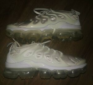 Mens Nike Air VaporMax Plus Trainers in Triple White In Size 7 UK