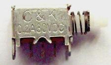 Pulsador Conmutador Interruptor DPDT 0.2A 30VDC derecho/ángulo 6 Pin en-en pn 22 sjna 03QE x5 un.