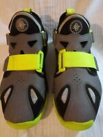 Men's Nike Air Huarache Sneakers, Running/ Basketball Shoes. Preowned. Sz. 10.5.