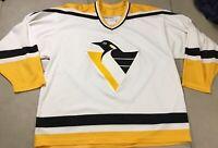 VTG Men's Vintage CCM Pittsburgh Penguins Sz XL NHL Hockey Jersey 90's WHITE