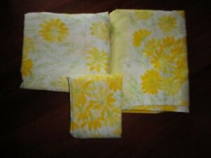 VINTAGE BURLINGTON DAISIES VERA YELLOW FLORAL (3PC) TWIN FLAT & FITTED SHEET