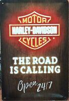 PLAQUE METAL  vintage HARLEY DAVIDSON the road is calling - 20 x 30 cm