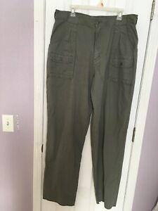 Cabelas Women's 7 Pocket Hiker Pants Size 20 Green