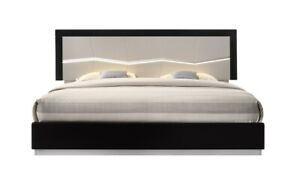 Turin Modern Lacquer LED Panel Bed, Queen Size