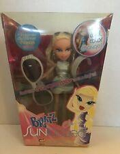 BRATZ Sun-Kissed CLOE Color Change Blonde Doll w/Sunglasses and Bracelet NIB