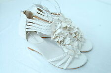(WHITE) Women's Pointy Flower Sandals Mid-Wedge Heel, Buckled Ankle Strap shoes