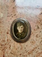 WW2 German soldier brooch pin in uniform war old wehrmacht picture heer army old