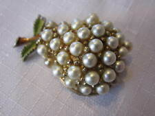 VINTAGE JJ GOLD TONE PEAR BROOCH WITH FAUX PEARLS AND ENAMEL LEAVES / STEM
