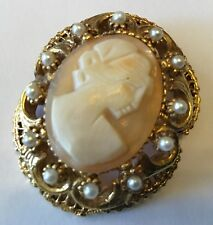 VINTAGE FLORENZA SIGNED SHELL CAMEO AND PEARL BROOCH