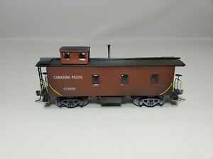 HO TRAINS  CANADIAN PACIFIC CP OLD TIME#436986 CABOOSE WEATHERED FROM COLLECTION