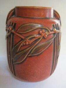 Roseville Laurel 672-8 Vase Red with Original Foil label