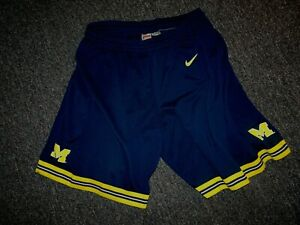 MICHIGAN WOLVERINES AUTHENTIC GAME USED BASKETBALL SHORTS XL EUC