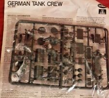 1/35 Testors / Italeri German Tank Crew 5 Figures & Accessories F/S Bag No Box