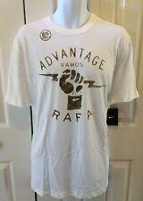 "NIKE Men`s Rafa Tennis T-Shirt ""Advantage  Vamos Rafa"" Large 574255-100"