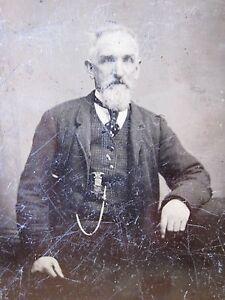 CIVIL WAR GAR MEDALLION RIBBON EAGLE TINTYPE HANDSOME BLUE EYED MAN PHOTOGRAPH