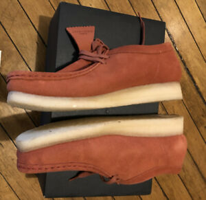 Clarks Wallabee Clay color sz 9 Brand new never worn with original box