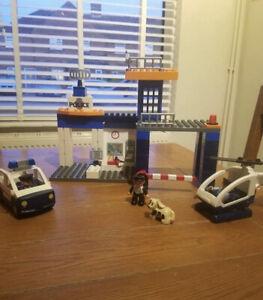 Vintage Duplo Lego Ville 4691 Police Station, Car, Helicopter