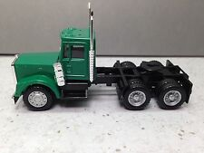 HO 1/87 Promotex/Herpa # 15278 Freightliner Classic Day Cab Tandem Tractor Green