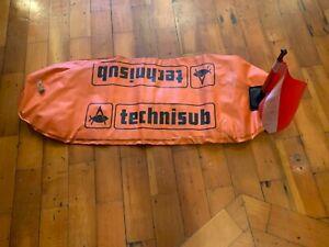 Techno sub dive buoy