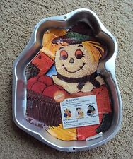 Wilton Scarecrow Witch Gardener Halloween Cake Pan Jello Mold 1998