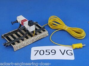 """EE 7059 VG Marklin HO Model Track Lighted Stop Block """"M"""" Track"""