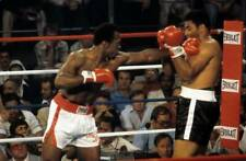 Old Boxing Photo Mike Dokes Throws A Punch Against Jimmy Young 1