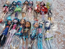 MONSTER HIGH DOLL LOT OF 15 MINT CONDITION