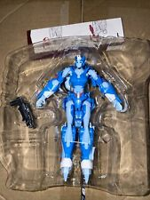 Transformers Generations Thrilling 30 Deluxe Class Chromia