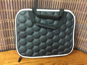 Carrying Case Suitable for Up to a Full Size Ipad Type Device Black New H2