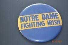 NOTRE DAME FIGHTING IRISH PIN W/STAND