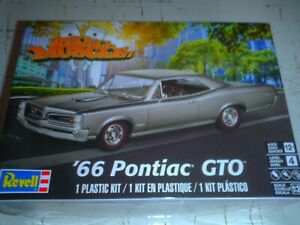 REVELL 1/24 SCALE THE 1966 PONTIAC GTO MUSCLE CAR KIT/NO 4479