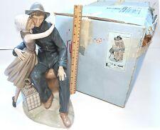Lladro large Figurine 4888 The Kiss Glossy Retired Superb w/ Original Box!