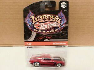 Hot Wheel - 1/64 - 1969 Ford Mustang  - Larry's Garage w / Real Riders.