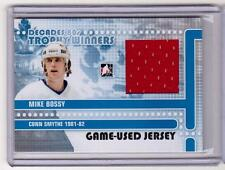 MIKE BOSSY 10/11 Decades 1980s Game-Used Jersey Trophy Winners Card #TWJ-07 80's