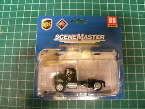 HO Scale  949-11193 UPS United Parcel Service Semi new in damaged package