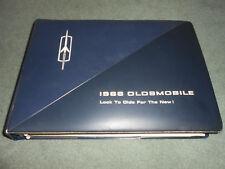 1966 OLDSMOBILE DEALER UPHOLSTERY ALBUM MANUAL BROCHURE 66 OLDS SHOWROOM BOOK