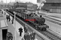 PHOTO  GWR 42XX NO 4284 1962 AT PORT TALBOT RAILWAY STATION DOWN EMPTIES CL.K