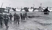 6x4 Gloss Photo ww710 Normandy D-Day Gold Beach Landing Craft Tanks