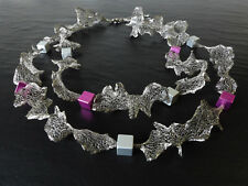 A Sign *Curly N°1*Kette/Halskette Gewebeband & Aluminium-Würfel Silber/Grau/Pink