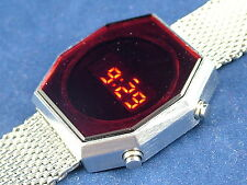 Gents Modern Chunky 1970s Vintage Style Retro Digital LED LCD Watch 12&24 hour