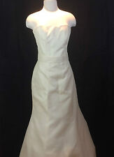 AUTHENTIC MONIQUE LHUILLIER WEDDING GOWN SILK SHANTUNG SZ 8 STRAPLESS BEAUTIFUL
