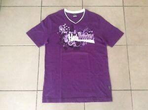 Hush Puppies      V-neck   T shirt       Purple     Size L