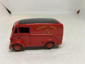 Dinky Toys 260 Royal Mail Van Morris 'J'