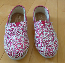 Toms Fabric Sparkly Pink Magenta Lacy Flowers Slip-on Shoes Youth Size 3