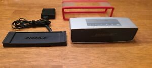 Bose Soundlink Mini (silver) with charging cradle and protective sleeve