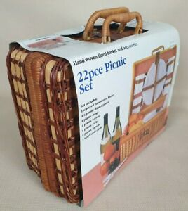 Vintage Picnic Set 22 Pieces Hand Woven Lined Basket Brand New